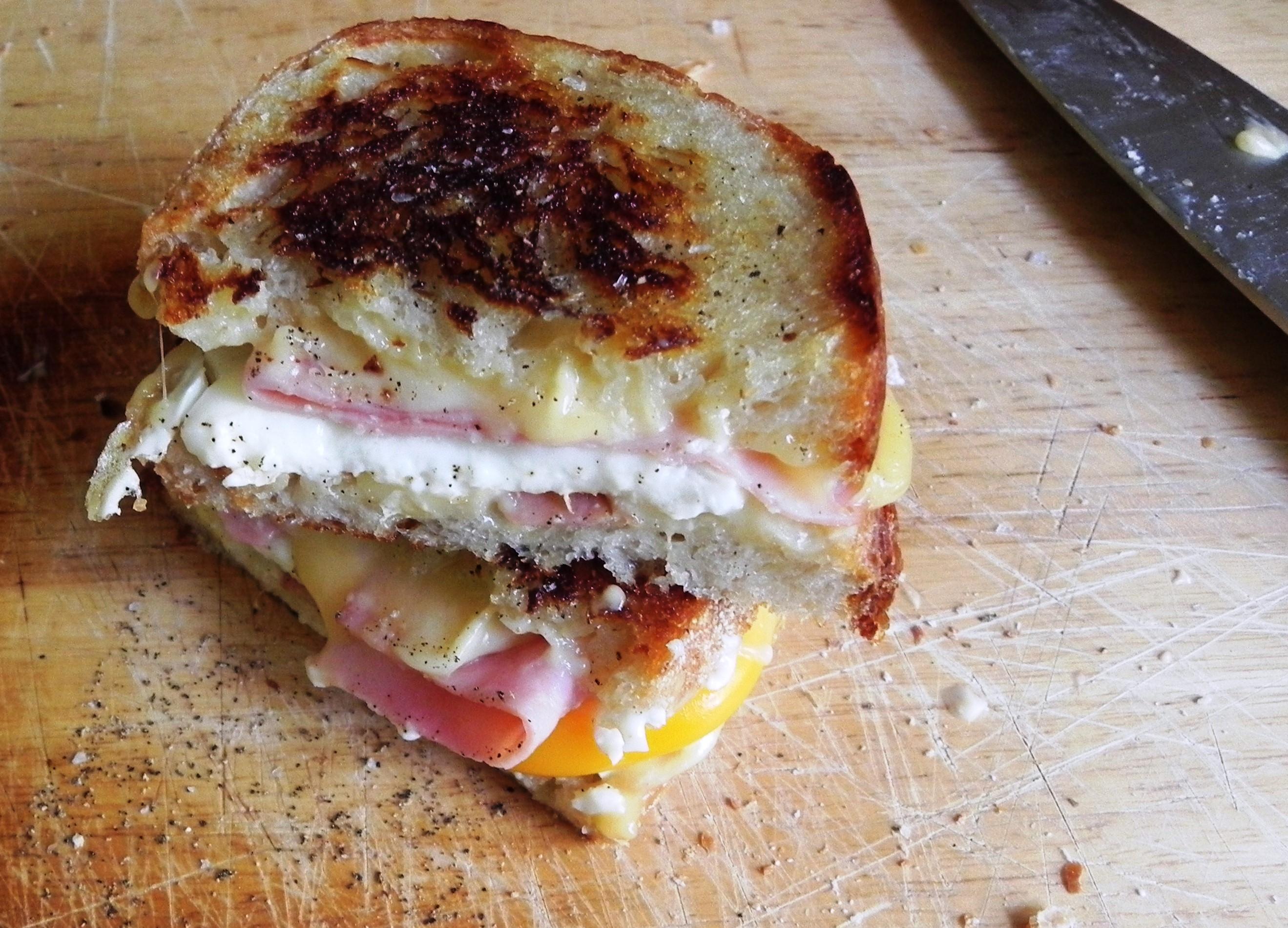 Breakfast Grilled Cheese | VORACIOUS VEGGIE